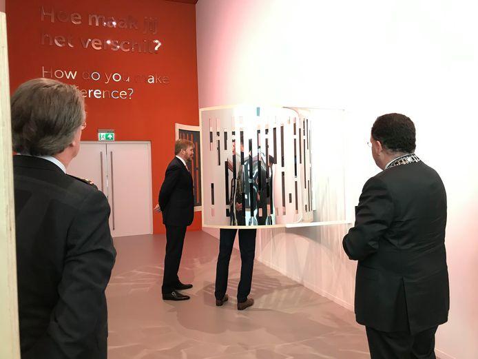 De film is te zien in de reflectieruimte van het herinneringscentrum.