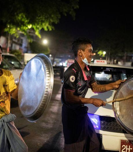 Leger Myanmar probeert groeiend verzet te breken: Facebook op zwart