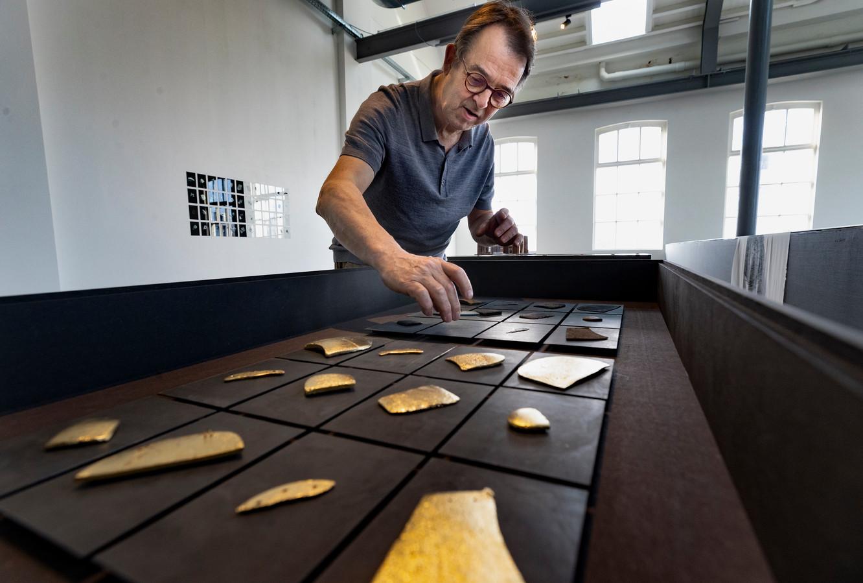 Kunstenaar Peter de Kimpe exposeert met afvalkunst in De Cacaofabriek in Helmond.