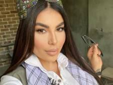 """""""Tue-moi d'abord"""": la folle histoire de cette pop-star afghane qui a échappé aux talibans"""