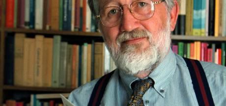Theoloog Cees den Heyer uit Kampen zorgde voor commotie én werd op handen gedragen: 'Hij haalde de Bijbel onder het stof vandaan'