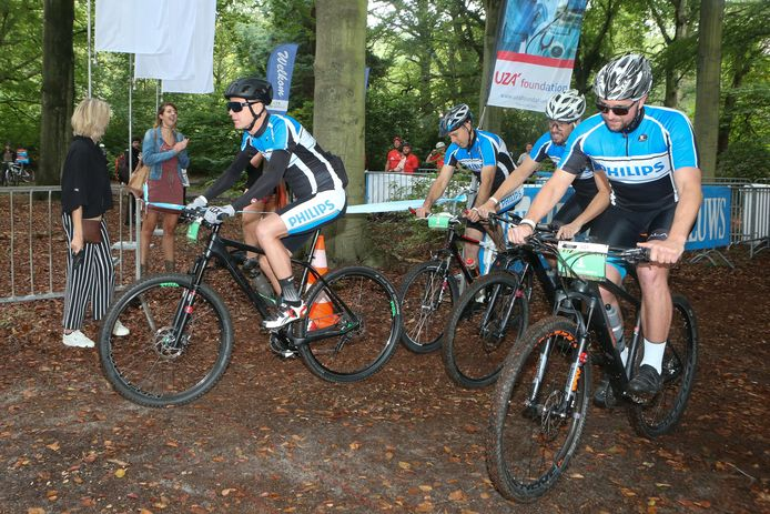 39 teams van telkens 5 renners namen deel aan de mountainbikewedstrijd als benefiet