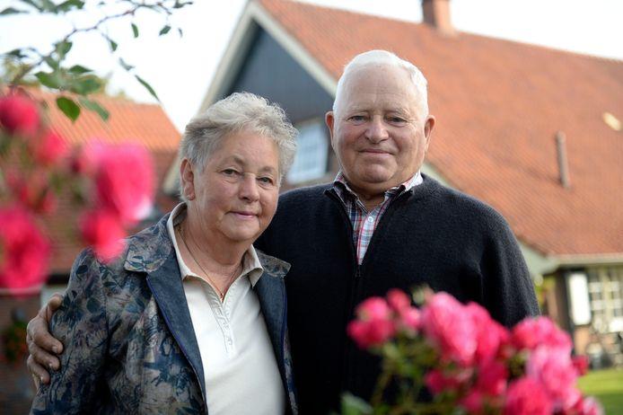 Engelbert en Minie Beltman 60 jaar getrouwd.