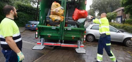 Zakken restafval en plastic verdwijnen regelmatig ongescheiden in vuilniswagen: 'Erger mij mateloos'