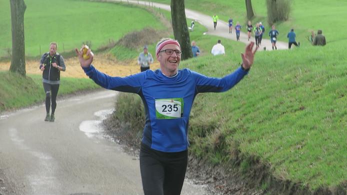 Koen Peeters loopt zondag in Geldrop een van zijn 12-12-12-marathons.