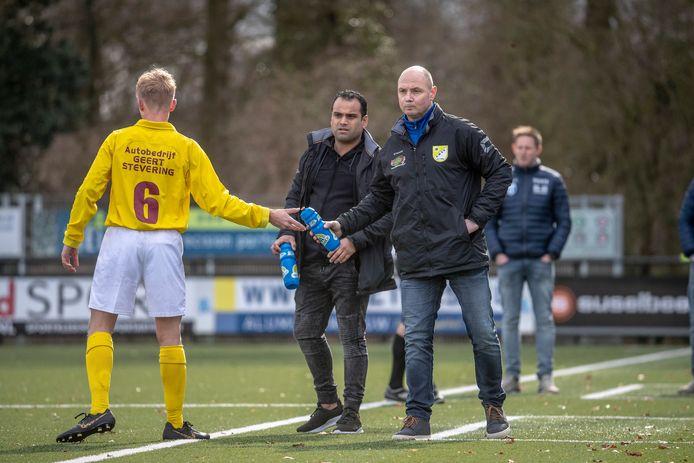 Edwin Grotenhuis blijft trainer van vierdeklasser GWVV in Varsselder.