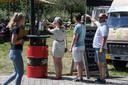 Bezoekers van de Twentse Bierbrouwerij konden bij binnenkomst de handen ontsmetten.