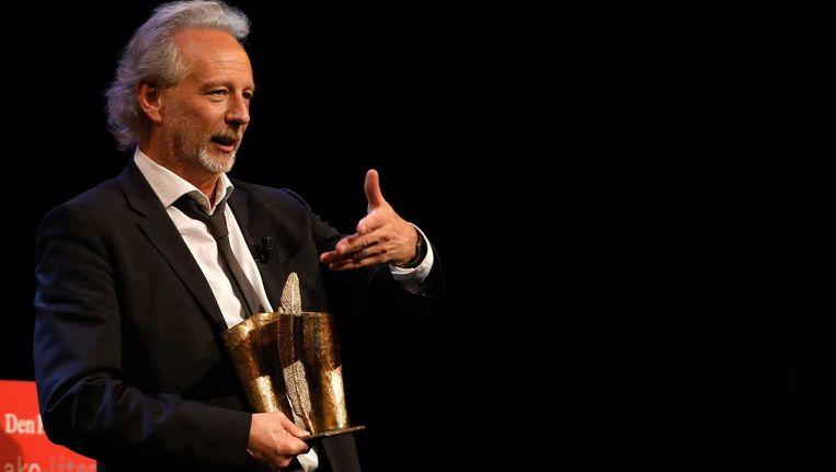 Stefan Hertmans kreeg dit jaar de allerlaatste AKO Literatuurprijs in handen.
