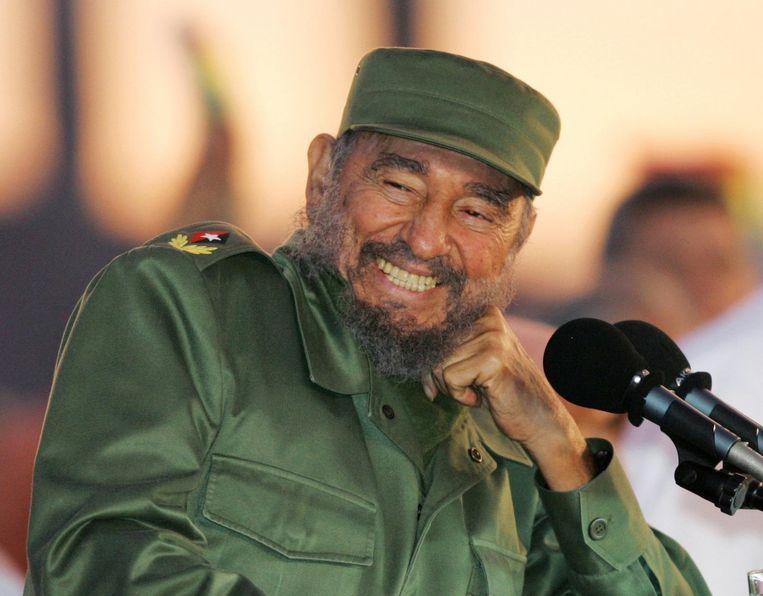 Fidel Castro zei weliswaar: 'De geschiedenis zal mij vrijspreken', helemaal gerust was de Cubaanse leider er kennelijk niet op. President Raúl Castro zei na de dood van zijn broer: 'Hij drong erop aan dat zijn naam en beeltenis nooit zouden worden gebruikt voor instituties, pleinen, parken, lanen, straten of andere publieke ruimten.' Beeld reuters