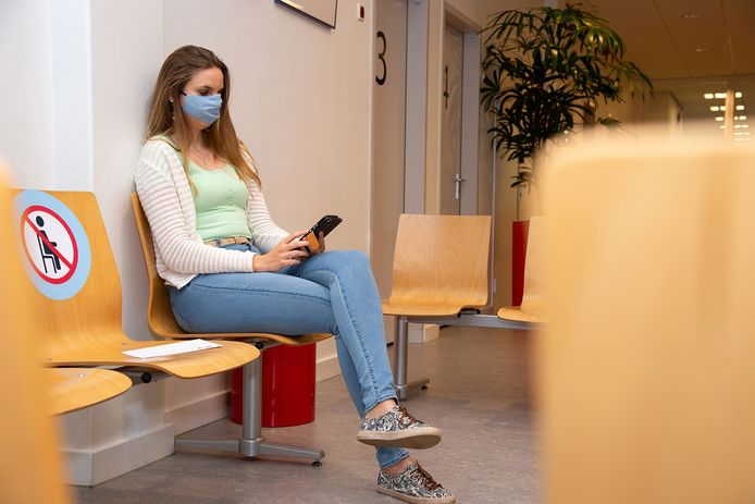 Ziekenhuizen en huisartsen roepen op om een mondkapje te dragen.