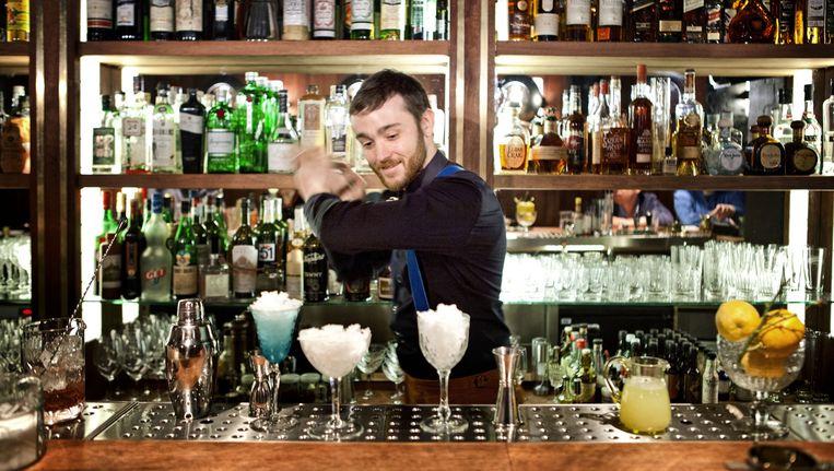 Bartenders spelen een grote rol in het maken of kraken van hypes. Beeld © Yann Bertrand