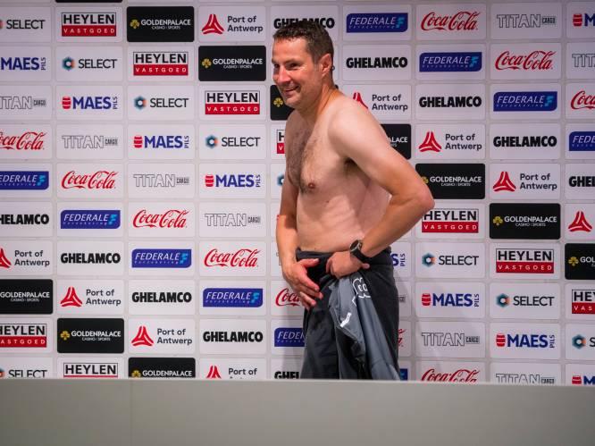 """""""Een topgast met een vijs los"""": Brian Priske is enorm geliefd bij zijn spelers, nóg meer na zijn 'naakte' stunt"""