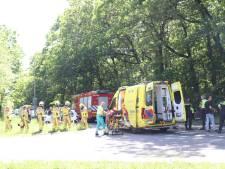 Arnhemseweg Apeldoorn, inclusief op- en afrit A50, afgesloten na ernstig ongeval met twee gewonden