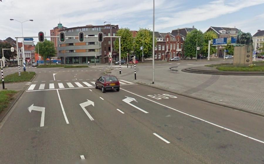 De man werd aangehouden op het Zwartboekplein in Roermond. © GOOGLE STREETVIEW