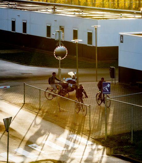 Asielzoekerscentrum Beverwaard gaat deze zomer dicht: bijna zeshonderd bewoners worden overgeplaatst