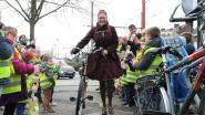 Nijlenaars fietsen samen de wereld rond