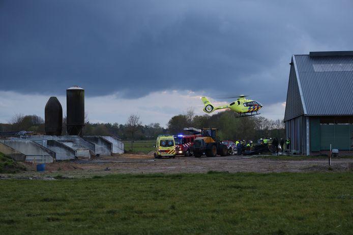 Een persoon raakte dinsdagavond bekneld op een boerderij aan de Schuifelenberg in Zeeland.