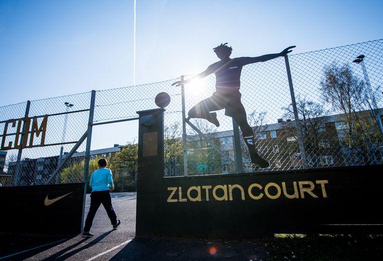In de buurt Rosengard in Malmö, waar Ibrahimovic opgroeide, is een voetbalplein naar hem vernoemd. Beeld Hollandse Hoogte / AFP
