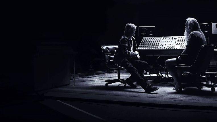 McCartney 3, 2, 1 - Series (USA-2021) - Caption: Paul McCartney en Rick Rubin Beeld TMDb