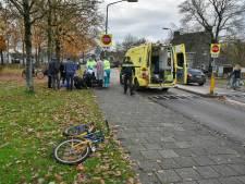 Jongen op fiets aangereden door auto op oversteekplaats in Oisterwijk: enkele meters meegesleurd
