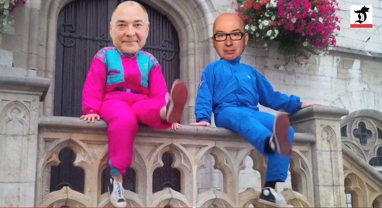 Norbert De Batselier en Piet Buyse op de pui van het stadhuis in de clip van 'Bats en Buys'.