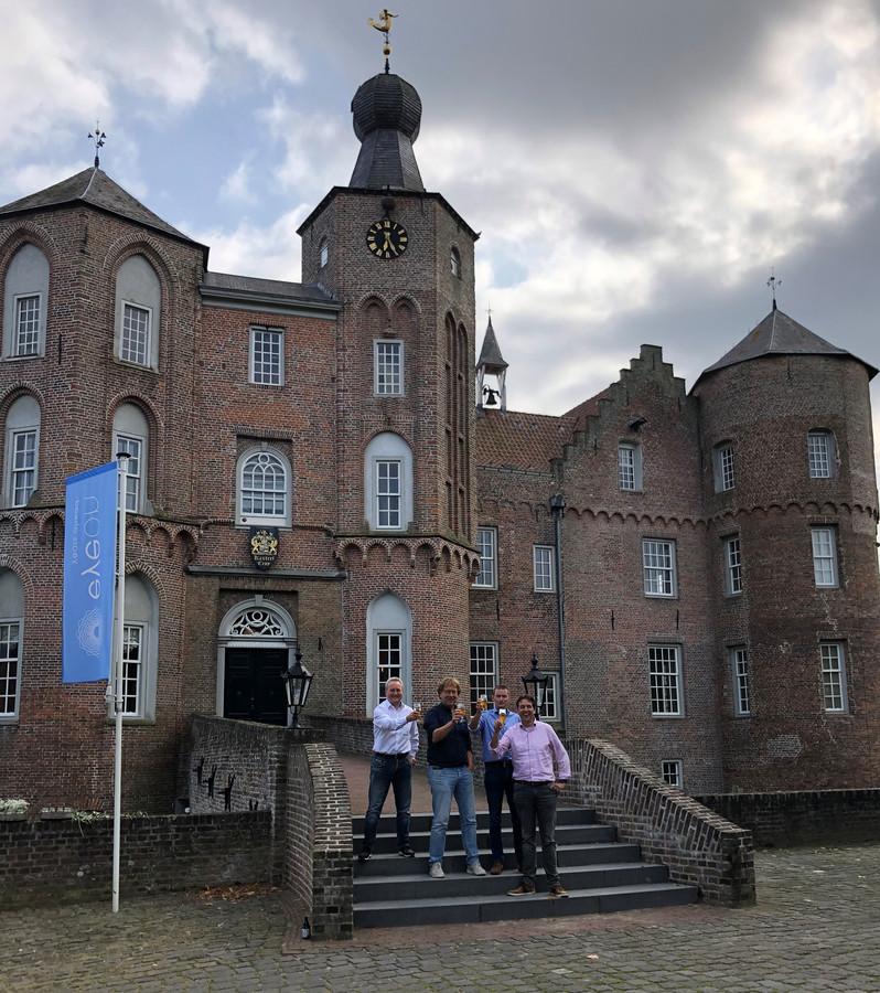 Directieteam van EyeOn voor kasteel Croy in Aarle-Rixtel, met van links naar rechts Loek Lemmens, Andries Mulder, Freek Aertsen en André Vriens.