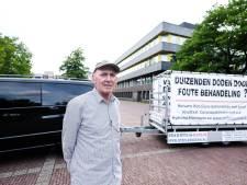 Krijgt aanhanger-activist Kees Faasse geen hand? Dan praat hij niet met je