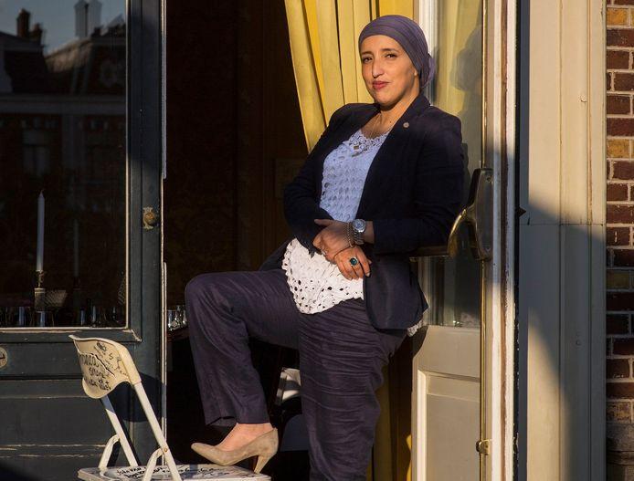 Amsterdam, 13 Augustus 2014. De Klapstoel / Fatima Elatik. Fatima Elatik is een Nederlandse politica van de Partij van de Arbeid.foto: Marc Driessen