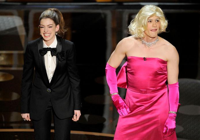 Zelfs een verkleedpartijtje kon de Oscarshow van Anne Hathaway en James Franco niet redden.