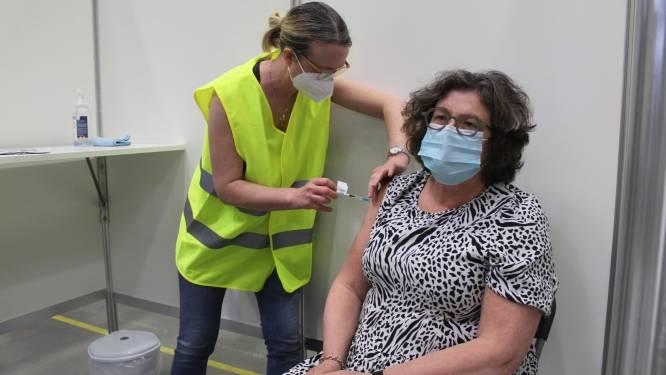 """Vaccinatiecentra openen (voorzichtig) de deuren: """"Welkom, en stap door de 'Mooie Dagen Poort'"""""""