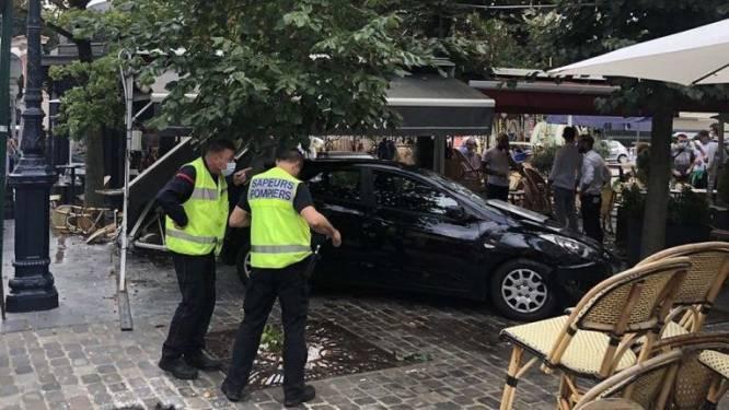 Une automobiliste fonce sur deux terrasses en France, plusieurs blessés