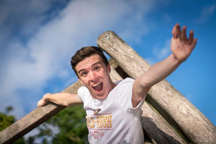 Pretparkfanaat Roel van der Kwast gaat 7 uur in de achtbaan van Slagharen zitten voor het goede doel
