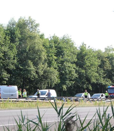 File na ongeluk op A1 bij Bornerbroek