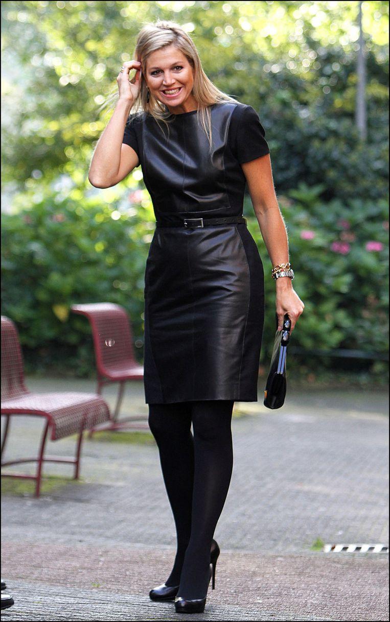 Maxima helemaal in het zwart. Beeld Photo News