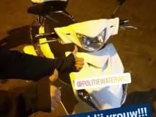 Vrouw bruut beroofd van driewielerscooter in Vlaardingen, maar dief krijgt spijt en brengt hem terug