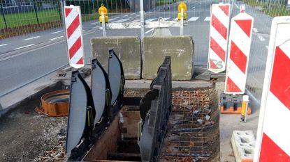Riooldeksel gevaarlijk punt Geldenaaksebaan-Interleuvenlaan vervangen, hinder nog niet onmiddellijk van de baan