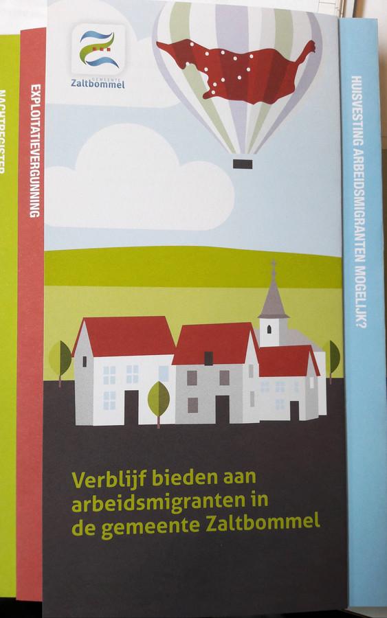 De nieuwe folder van de gemeente Zaltbommel over de regels voor huisvesters van arbeidskrachten.