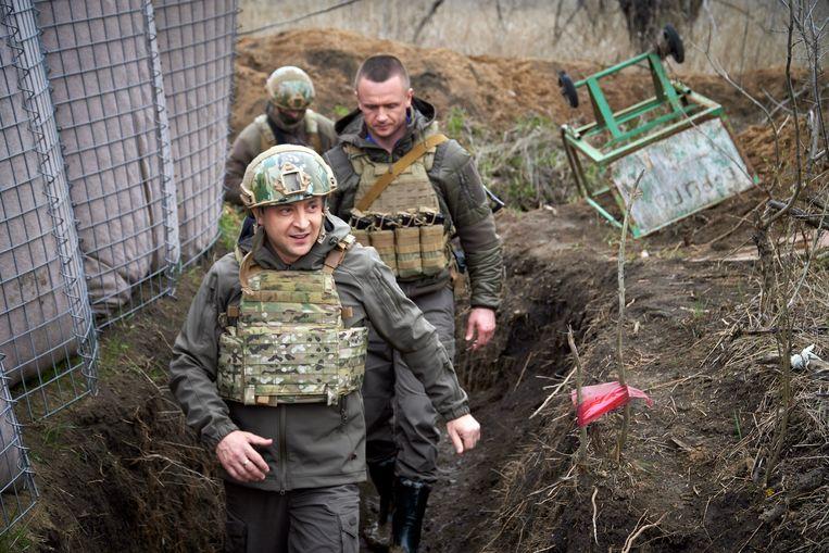 President Volodymyr Zelenski was deze week aan het front. Beeld AP