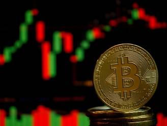 Bitcoin veert weer op na dip tot onder de 30.000 dollar
