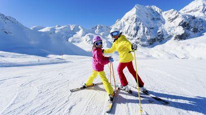 """VAB: """"Vermijd hoofdletsels bij skiongevallen, draag een helm"""""""