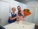 Robert-Jan heeft zijn hanger woensdag teruggekregen. Als dank heeft Robert-Jan een bos bloemen aan Center Parcs gegeven.