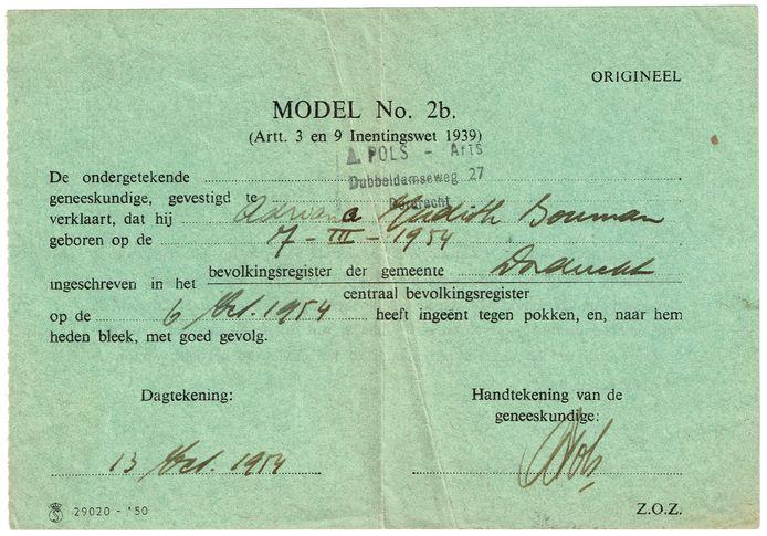 Een 'modern' pokkenbriefje van Adriana Judith Bouman, 1954. De arts is A. Pols, de grootvader van de nu bekende Dordtse zangers PollyAnna.