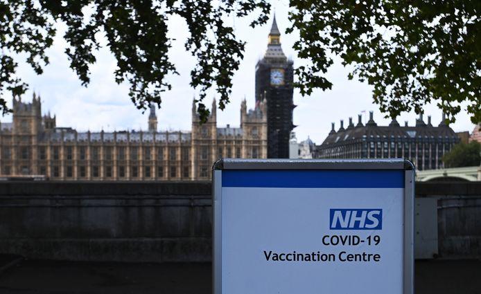 Le Premier ministre britannique Boris Johnson a présenté le plan hivernal Covid de son gouvernement. Le gouvernement a également annoncé que les jeunes de douze à quinze ans devraient recevoir une dose du vaccin Pfizer.