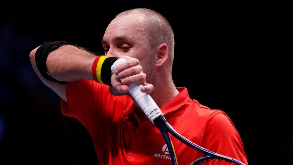 'Mister Davis Cup' Darcis kan niet stunten tegen oppermachtige Tsonga: Frankrijk opnieuw op gelijke hoogte: 1-1