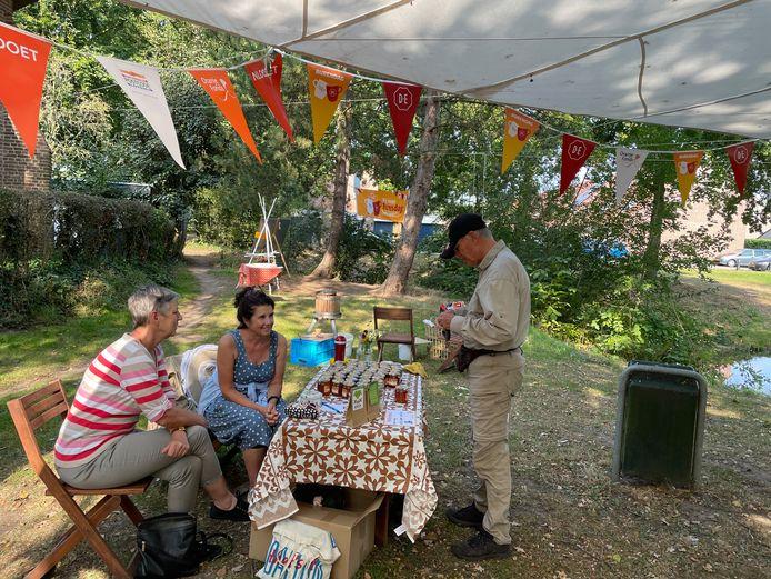 Het Oogstfeest van de Kapeltuin in de Haagse Beemden sloot aan bij de Burendag.