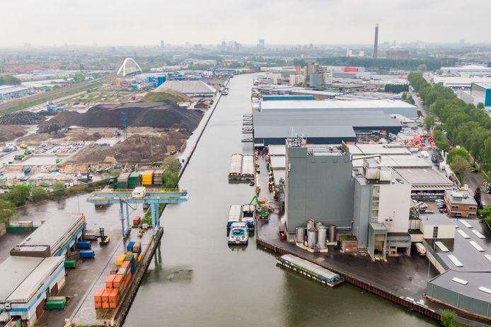 De industrie groeit dit jaar hard en dat helpt de regio's die veel industrie huisvesten. Daar hoort Utrecht niet bij. Bedrijven zoals op industrieterrein Lage Weide zijn dan ook in de minderheid.