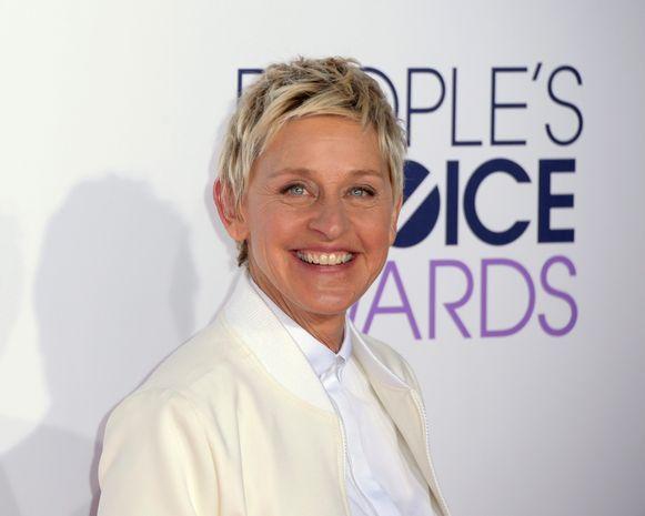 LOS ANGELES - Presentatrice Ellen DeGeneres heeft één familie wel erg blij gemaakt: tijdens haar show gaf ze hen een miljoen dollar, de grootste prijs die ze ooit heeft uitgedeeld. De fans, Christi en Robert Daniels en hun vier zoontjes, kregen afgelopen november al cadeaus zoals een nieuwe televisie en vliegtickets.