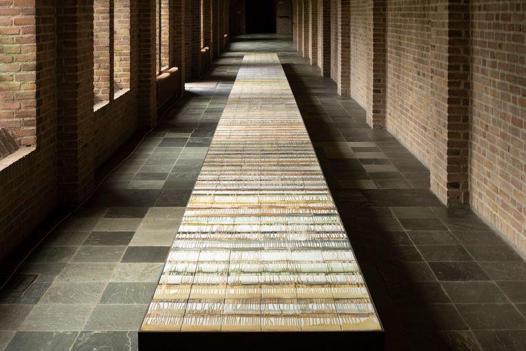 Tegeltableau Circumambulatio van Rabi Koria in de Sint Paulusabdij, tijdens de Biënnale van Oosterhout. Beeld Mischa Keijser