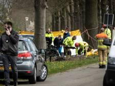Slachtoffer geweld in Hengelo blijkt raadslid, man (80) die vlakbij verongelukte is vermoedelijk familie
