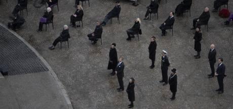 Online kijkers Dodenherdenking uitgemaakt voor 'pannenkoek', NPO biedt excuses aan